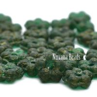 5mm Forget-Me-Not Spacers Emerald with An Etched Finish and Gold Wash