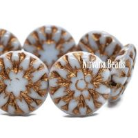 14mm Dahlia Pale Periwinkle with a Gold Wash