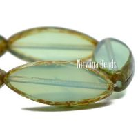 7x18mm Spindle Pale Green with Picasso Finish