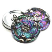 27mm Flower Leaves Button Vitrail Green with Silver Accents