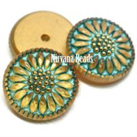 18mm Daisy Cabochon Gold and Tea Green with Tea Green Wash