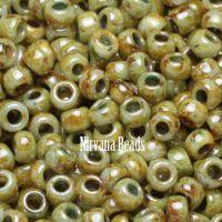 6/0 TOHO Round Green Stone Hybrid