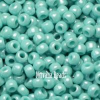 6/0 TOHO Round Turquoise Opaque-Lustered